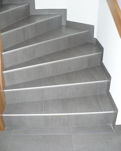 recouvrir un escalier en carrelage fabulous fabriquer escalier exterieur bois recouvrir. Black Bedroom Furniture Sets. Home Design Ideas