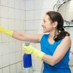 Nettoyer carrelage salle de bain