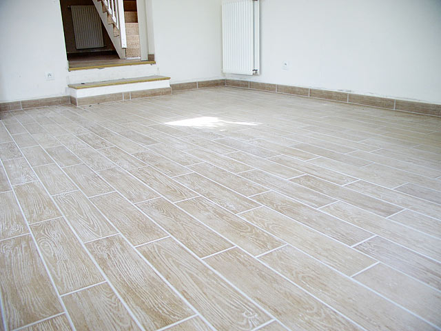 Poser du carrelage parquet for Pose de carrelage imitation parquet