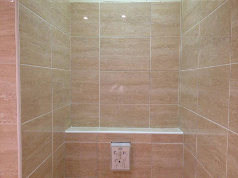 faience salle de bain point p On pose carrelage salle de bain